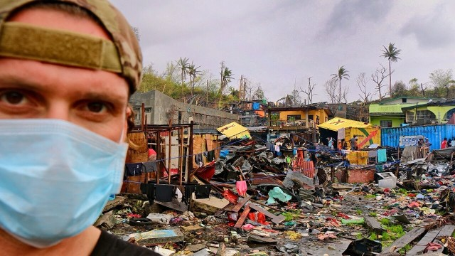 casey-neistats-philippines-typhoon-relief-mission-640x360